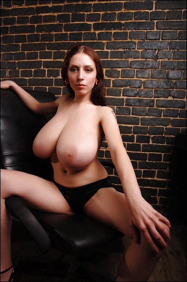 J'ai toujours envie de faire jouir avec mes gros seins sex cam direct