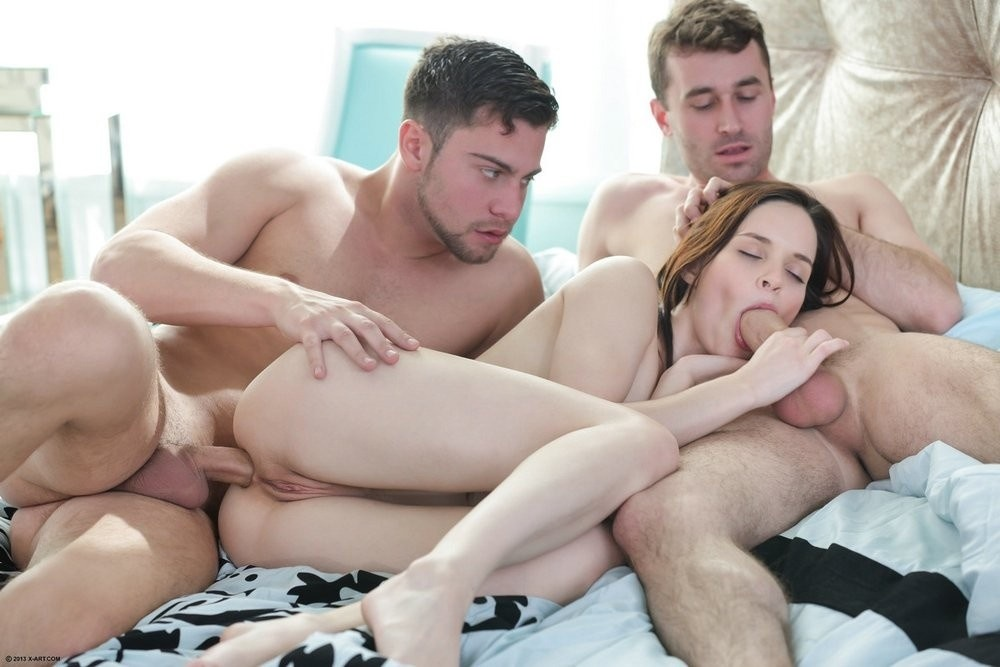 Pépette douée au lit sur Perpignan à faire jouir live show sexe