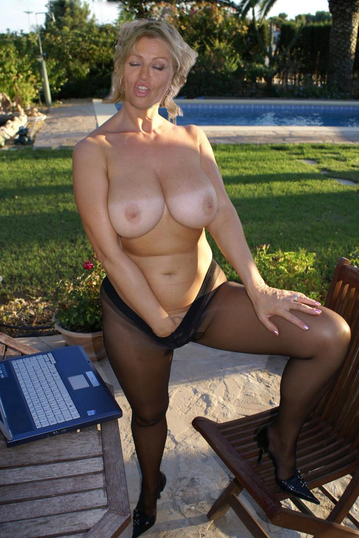 J'ai toujours envie de faire jouir avec mes gros seins live cam sexy